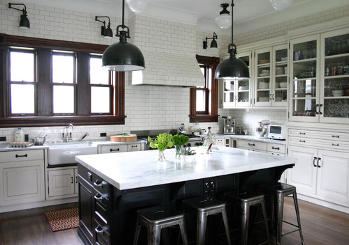 https://leveretteknb.com/wp-content/uploads/2018/09/Traditional-Kitchen-with-Countertops.jpg